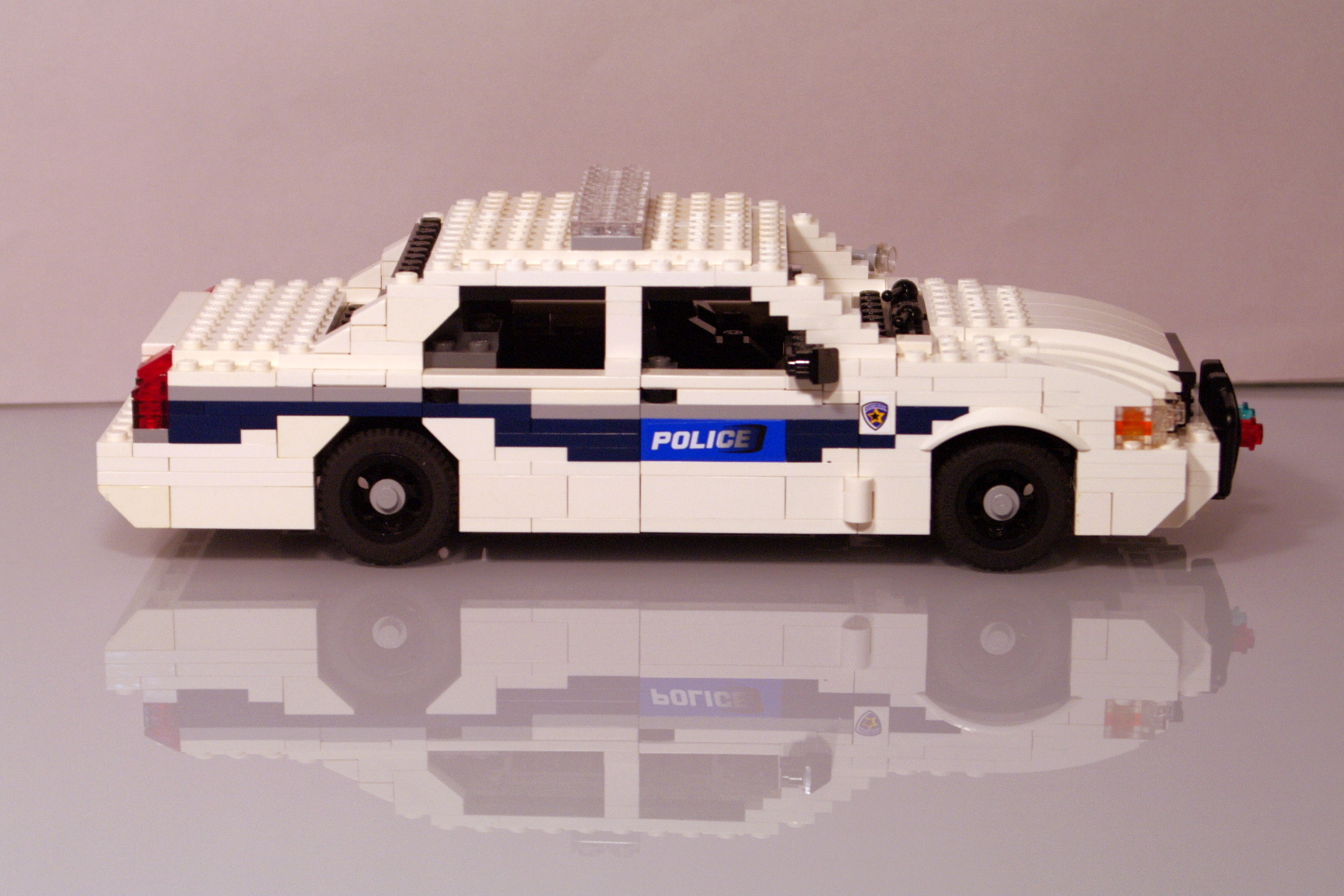 ford_crown_victoria_washington_police_19.jpg