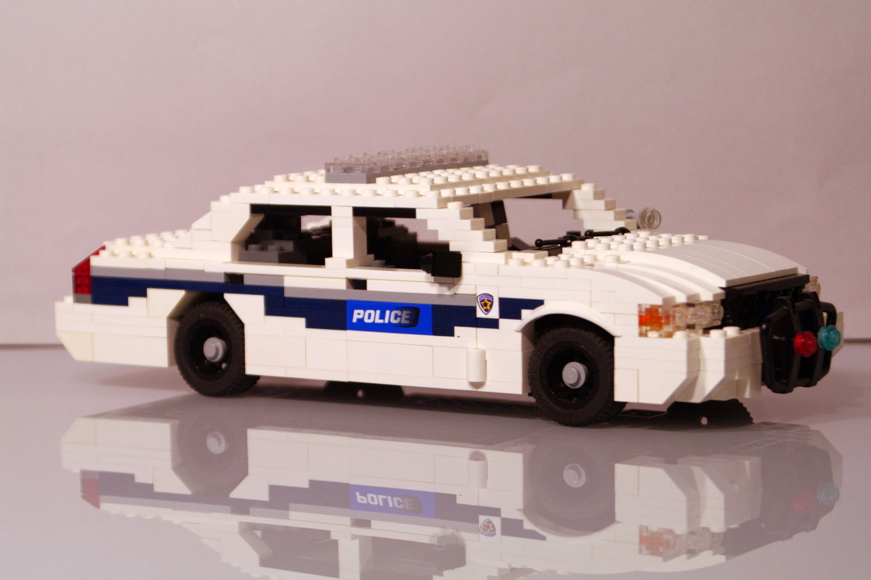 ford_crown_victoria_washington_police_21.jpg