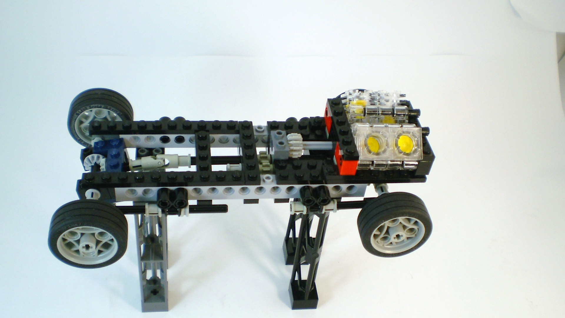 f-series_2009_engine_and_chassis_15.jpg