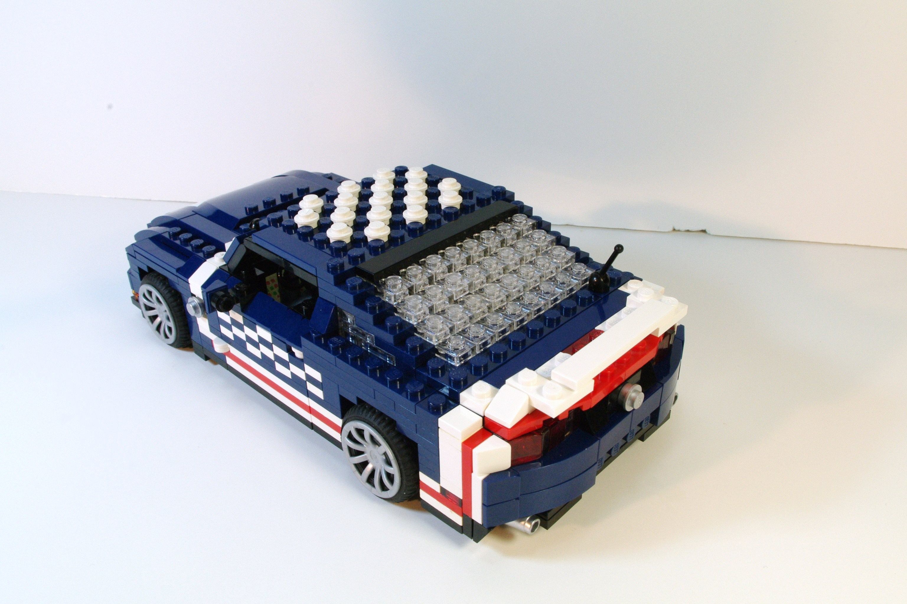 ford_mustang_2011_4th_of_july_05.jpg