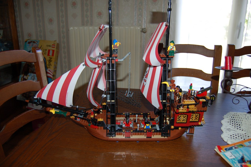 notice lego bateau pirate. Black Bedroom Furniture Sets. Home Design Ideas