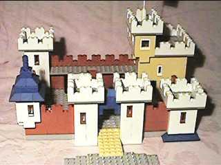 castle1.jpg (12231 Byte)