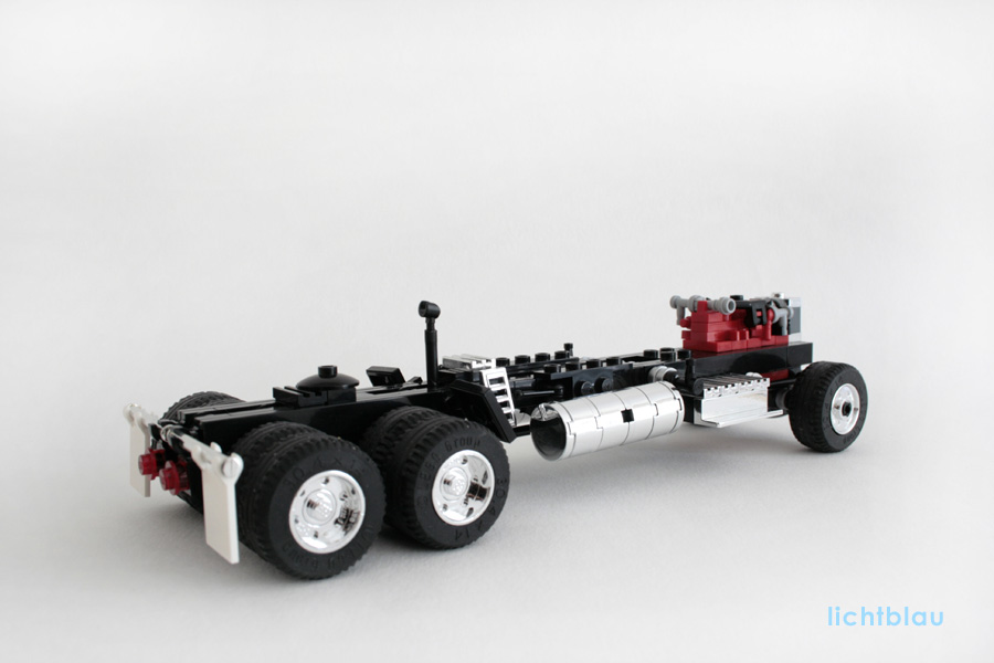13_pete_chassis.jpg