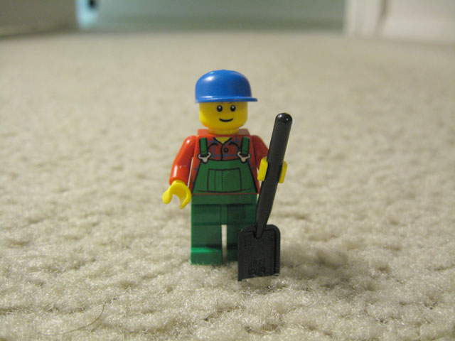7634-tractor-minifig.jpg