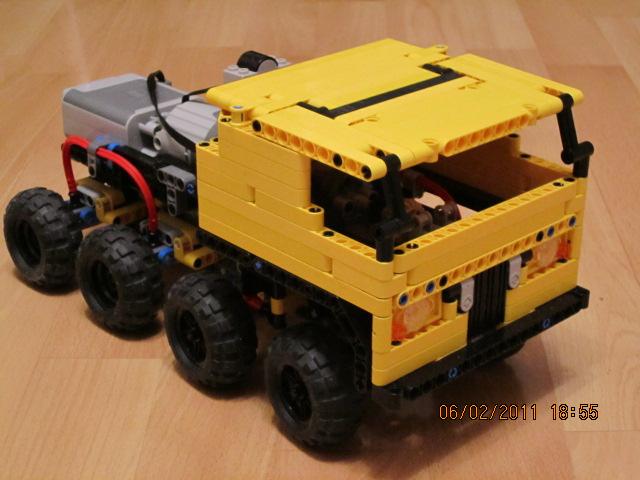 Mini 8x8 trial truck