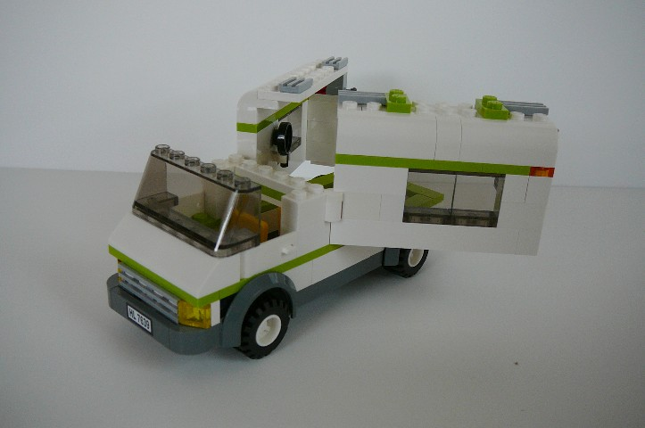 camper_with_doors_attached.jpg