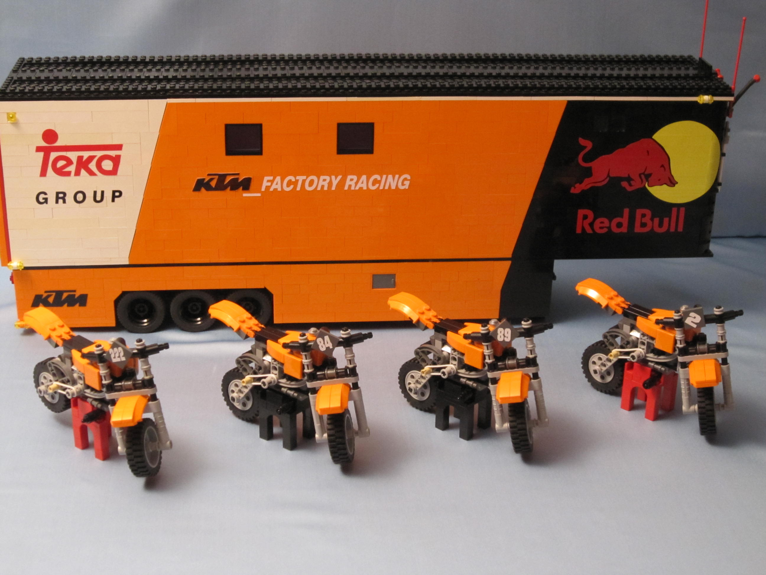 tribute_ktm_factory_racing_027.jpg