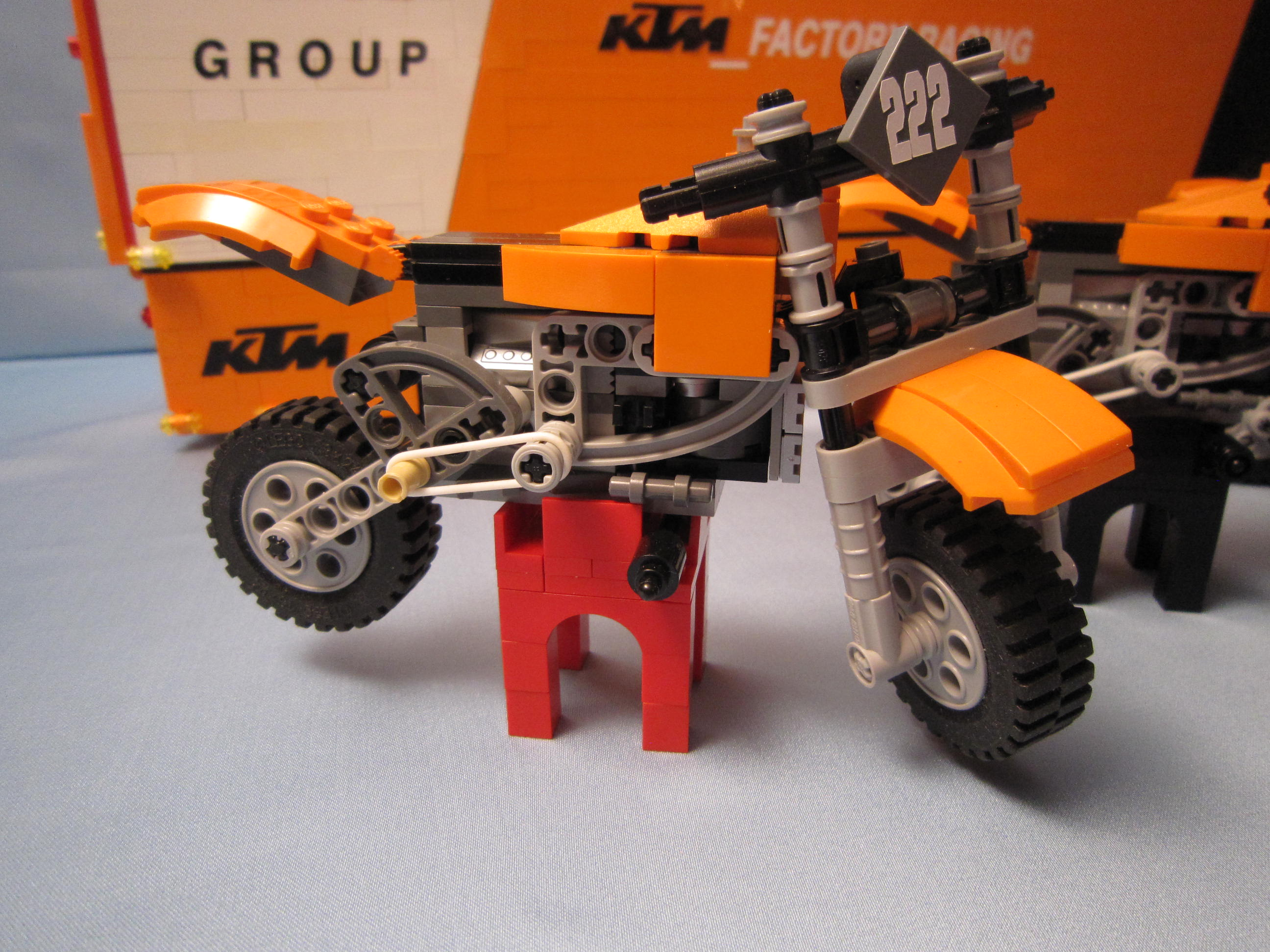 tribute_ktm_factory_racing_029.jpg