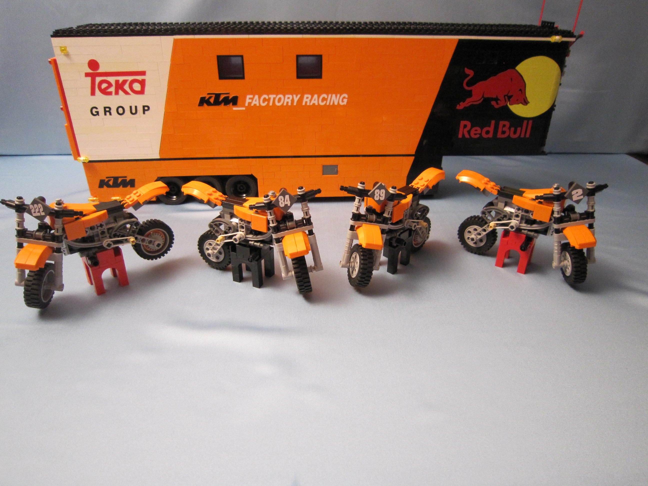 tribute_ktm_factory_racing_033.jpg