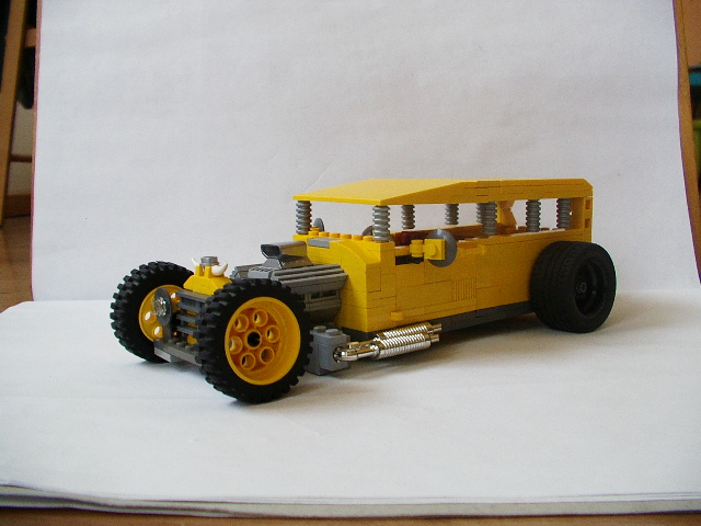 http://www.brickshelf.com/gallery/maki/Hot-Rods/Speed-Deamon/imgp0943.jpg