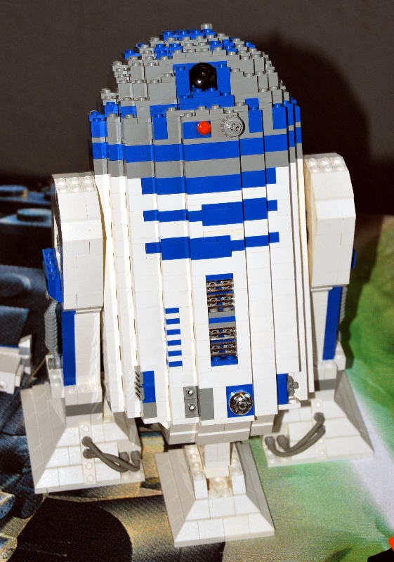 Fs Large Lego R2 D2 Partially Complete