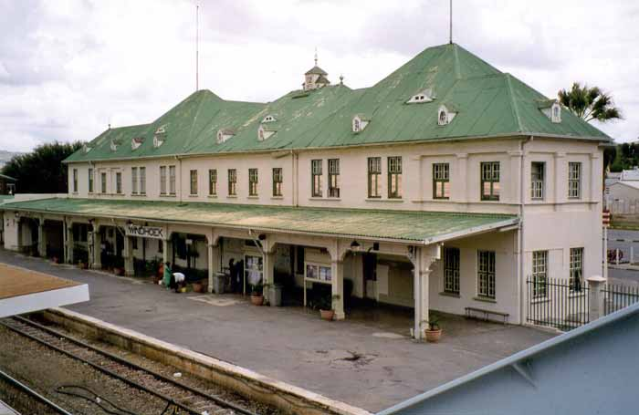 09_windhoek_station.jpg