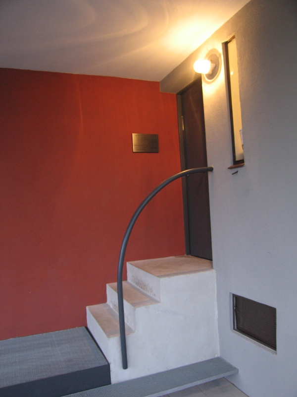 010_lecorbusier_entrance_real.jpg