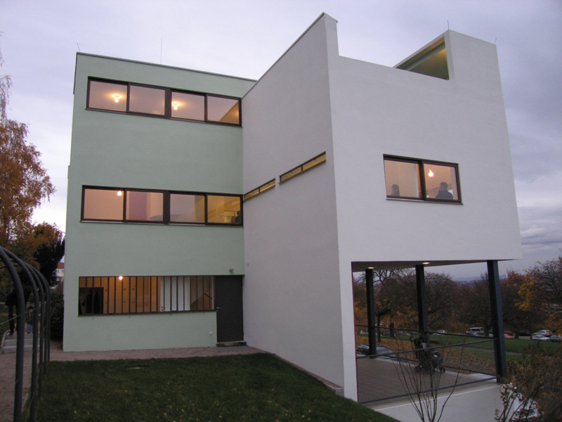 015_lecorbusier_rear_real.jpg