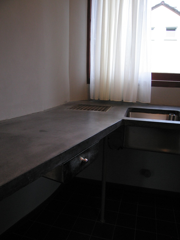 025_lecorbusier_kitchen_real.jpg
