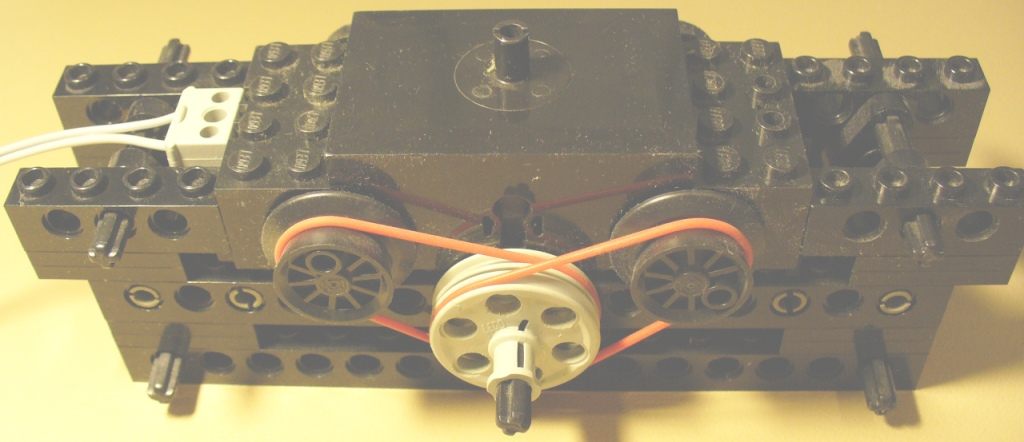 0_technic_power_from_12v_train_motor_1.jpg
