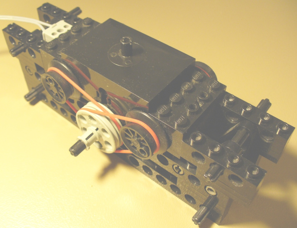 technic_power_from_12v_train_motor_3.jpg