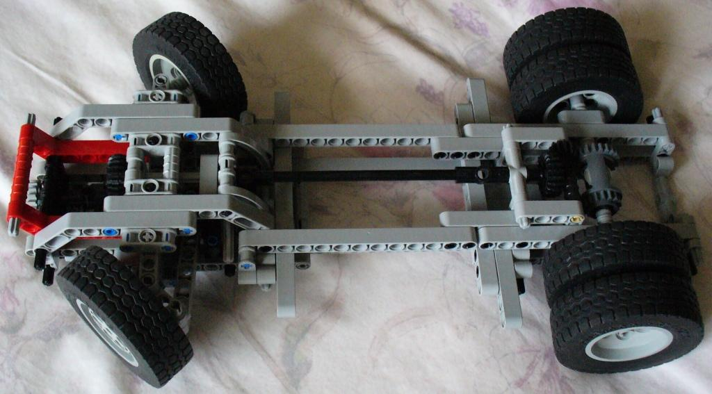 8836_chassis_2.jpg