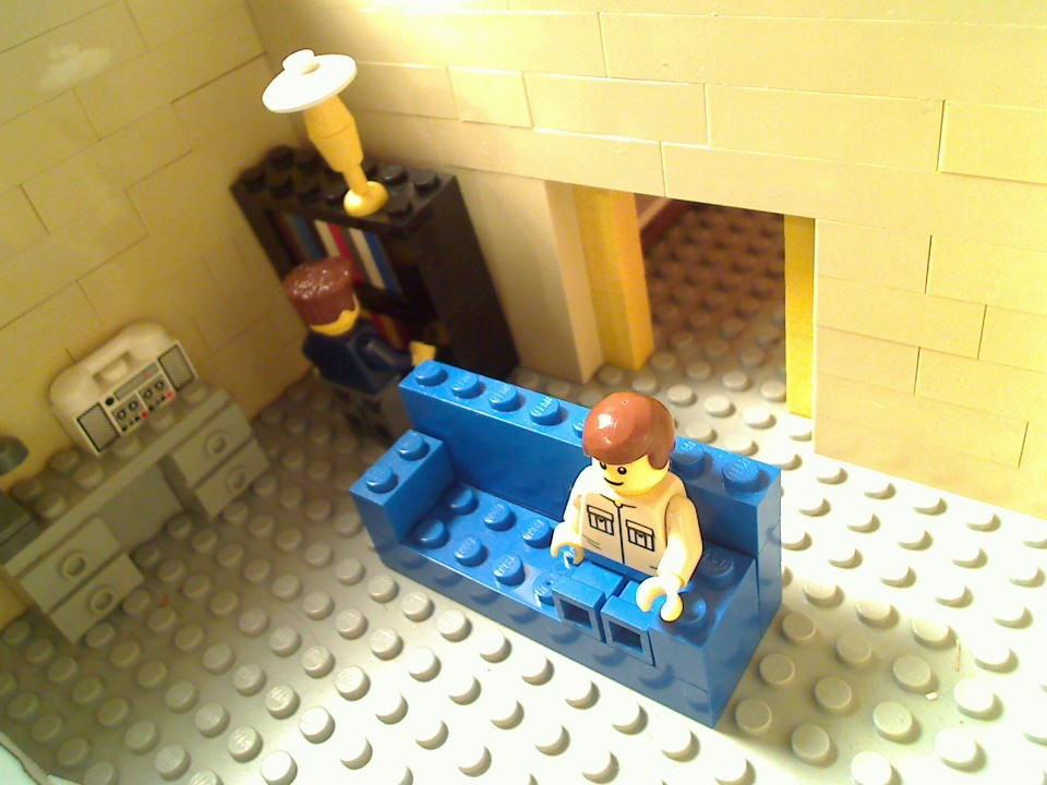 http://www.brickshelf.com/gallery/minifig77/set1/picture_4.jpg