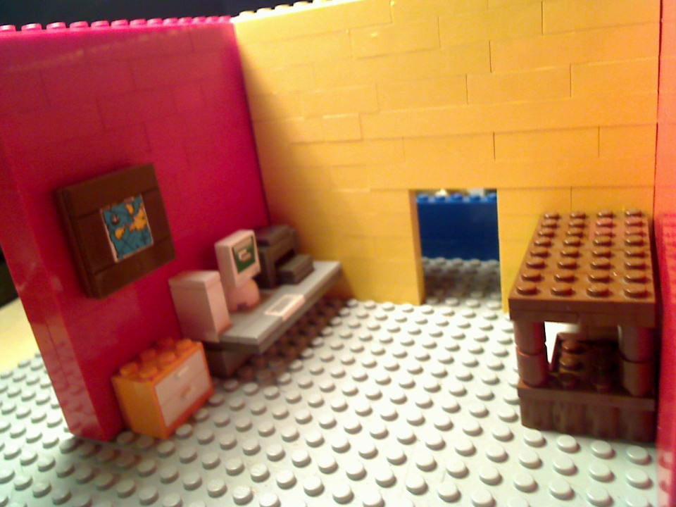 http://www.brickshelf.com/gallery/minifig77/set1/picture_5.jpg