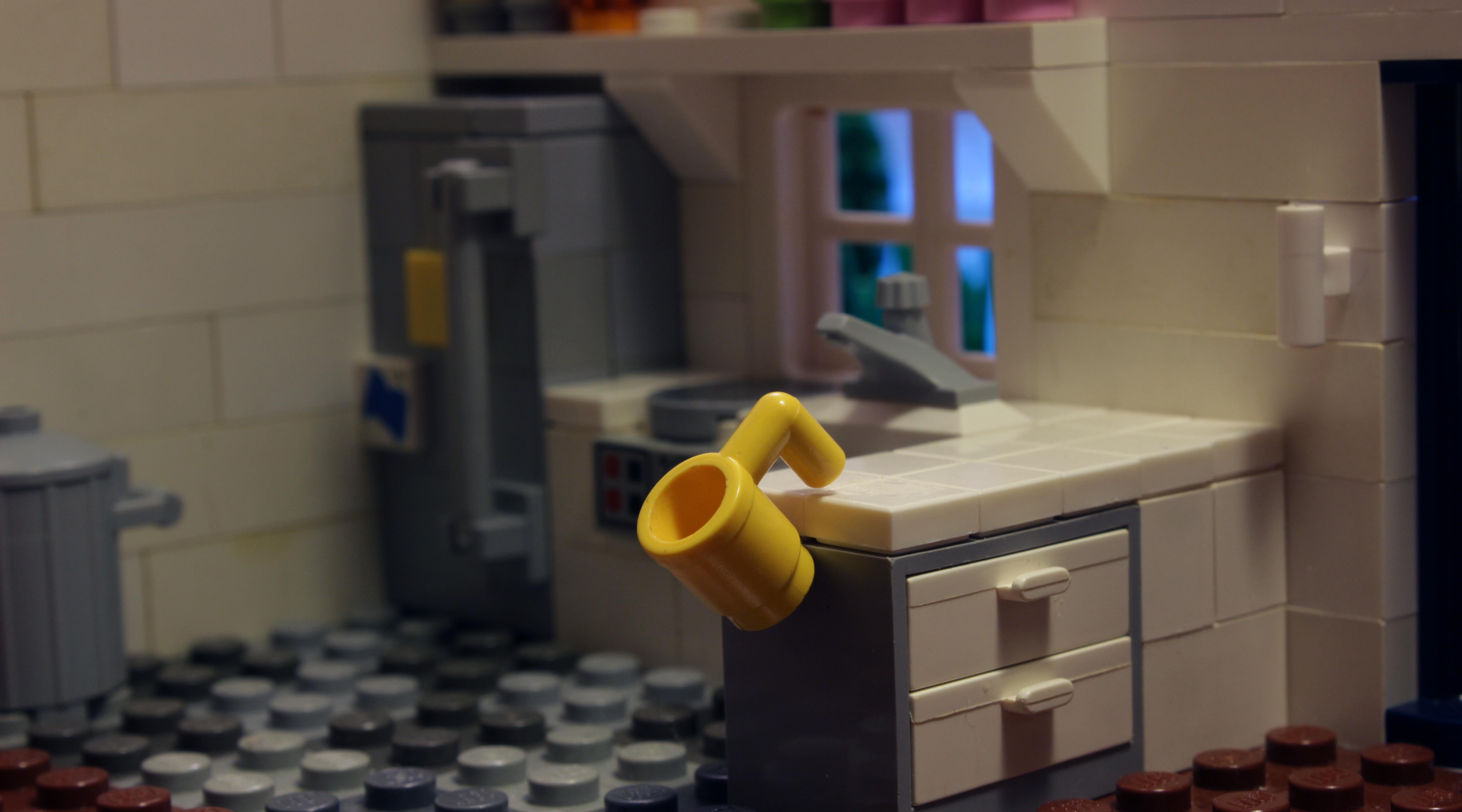 http://www.brickshelf.com/gallery/minifig77/stills/mugfall.jpg