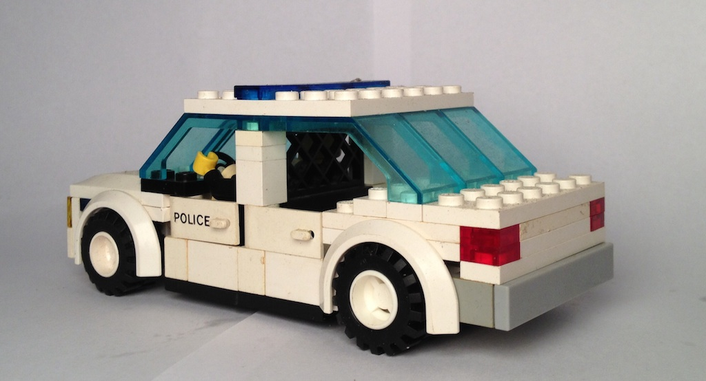 lego_police_behind.jpg