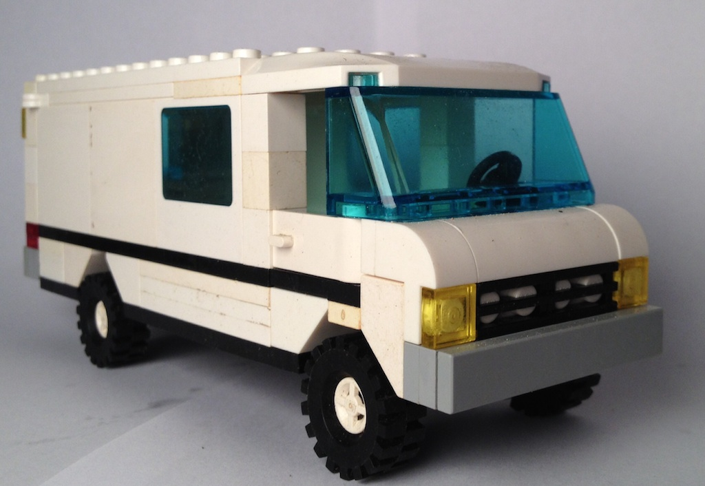 MOC: Mercedes van, Mercedes GD, APE and police car - LEGO ...