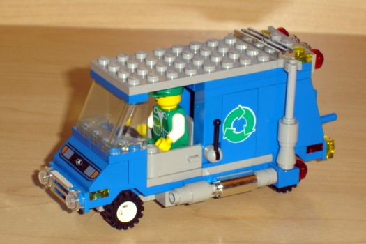 recycling_truck_front_angled.jpg