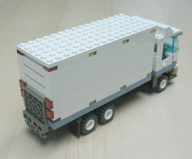 delivery-truck-1-4.jpg