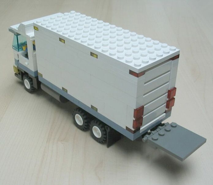 delivery-truck-1-8.jpg