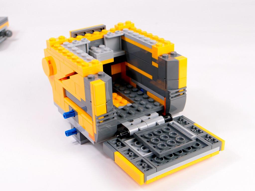 21303 - Wall-E (瓦力) 發行 2015 9月 片數 這是盒是今年idea系列,我個人相當期待的一組,我也曾做過他的moc,這次有機會被選為亞區的首發開箱文作者 現在就來跟各位分享一下這一盒瓦力