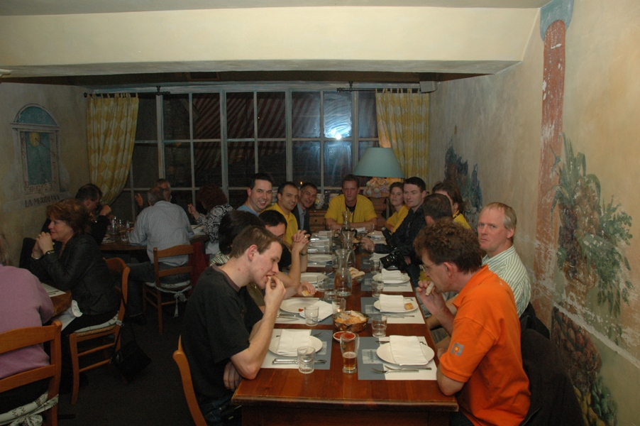 dsc_1650-dinner-group_mcp_mup.jpg