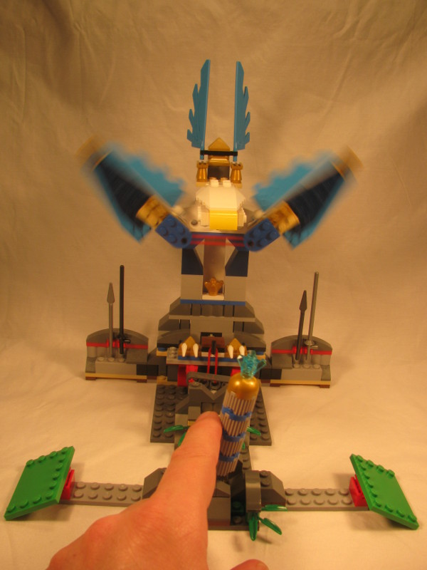 eagles_castle_review_-_55_-_moving_wings.jpg