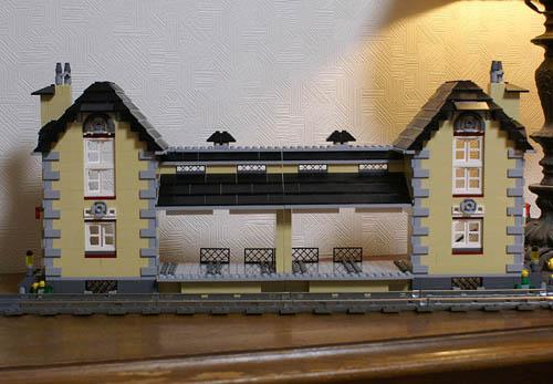 http://www.brickshelf.com/gallery/sekiyama/Structure/BrewingFactory/z13_4954.jpg