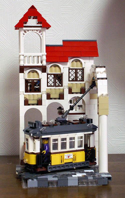 http://www.brickshelf.com/gallery/sekiyama/Trams/Lisboa-Portuguese/zlisboa008.jpg