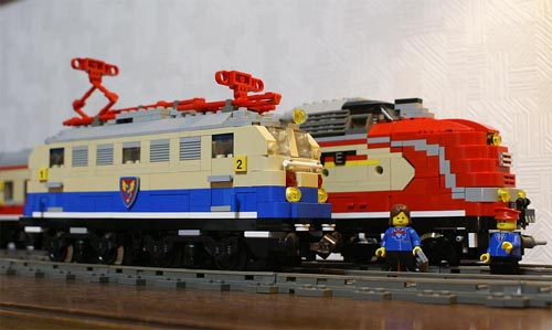 http://www.brickshelf.com/gallery/sekiyama/clocodile/DRG-DB-DR-DBAG/E10/z5_e10_08.jpg