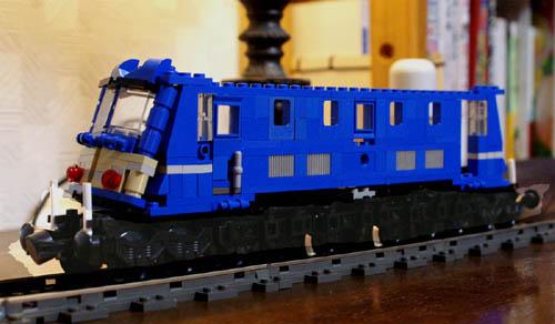http://www.brickshelf.com/gallery/sekiyama/clocodile/JNR/EF58/ztest58001.jpg