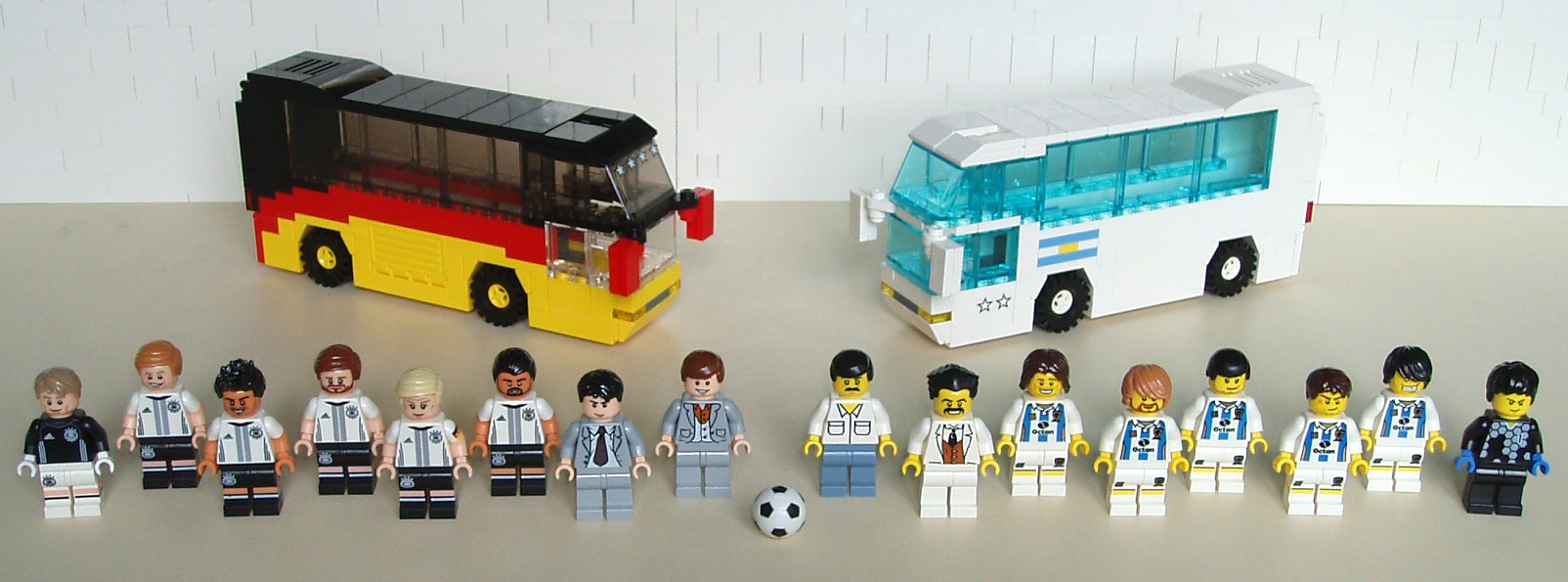 sfzdk_-_soccer_10_-_football_team_buses_05.jpg