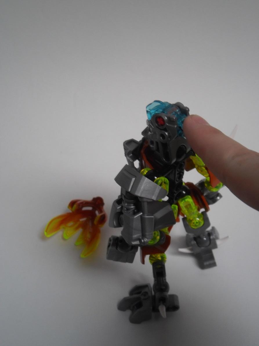 [Revue] LEGO Bionicle 70779 : Protecteur de la Pierre Pb240110