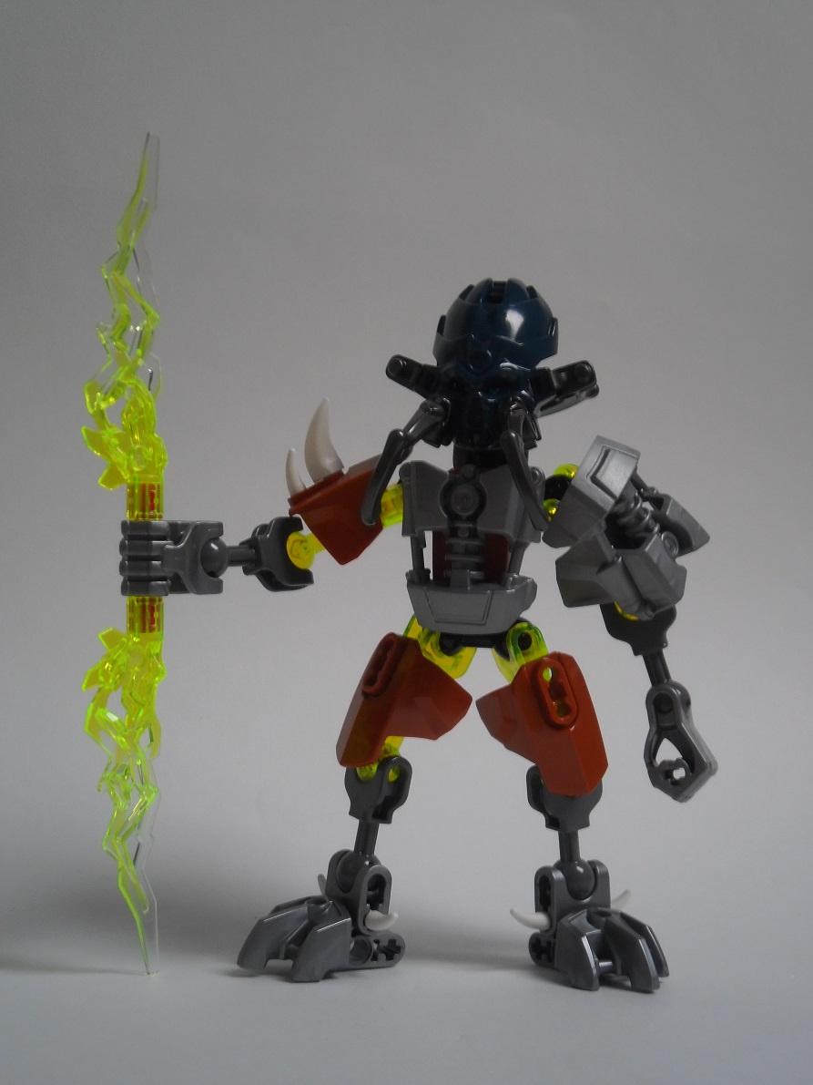 [Revue] LEGO Bionicle 70779 : Protecteur de la Pierre Pb240114