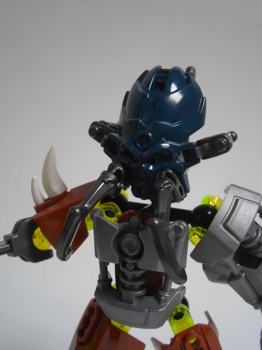 [Revue] LEGO Bionicle 70779 : Protecteur de la Pierre Pb240122