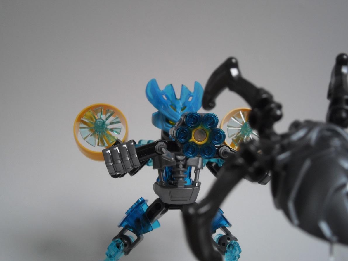 [Revue] LEGO Bionicle 70780 : Protecteur de l'Eau Pb240129