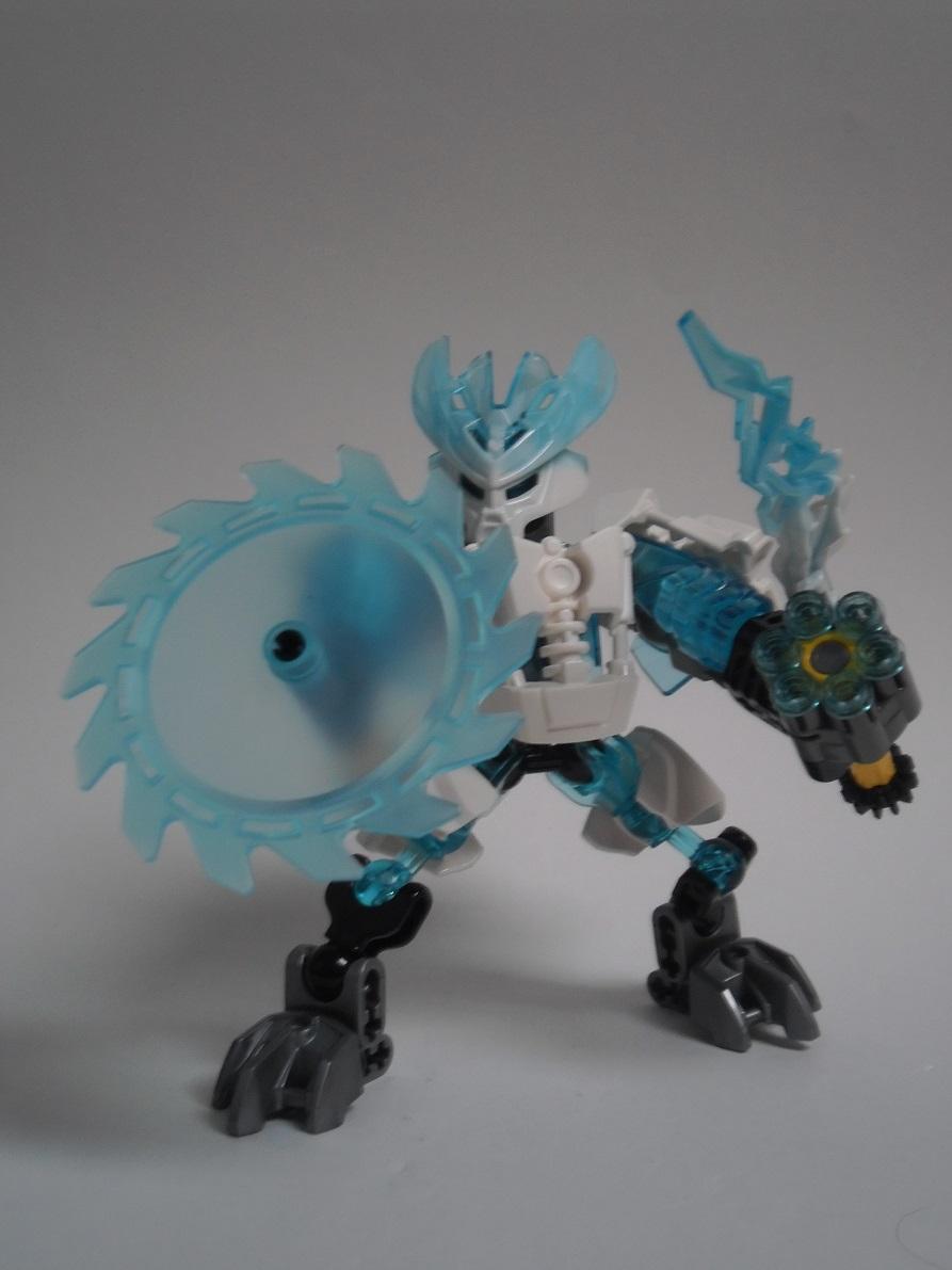 [Revue] LEGO Bionicle 70782 : Protecteur de la Glace 70782-protector_of_ice