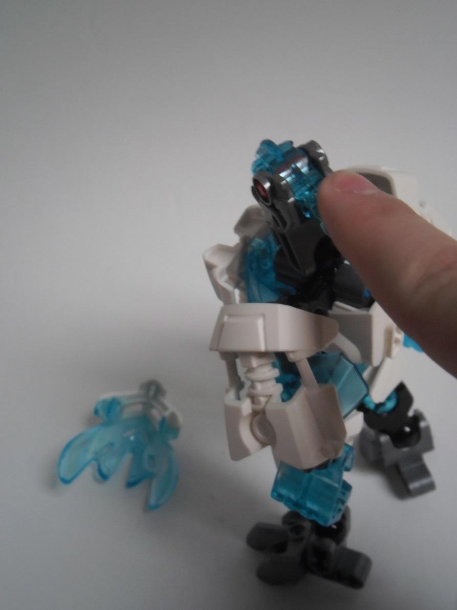 [Revue] LEGO Bionicle 70782 : Protecteur de la Glace Pb260117