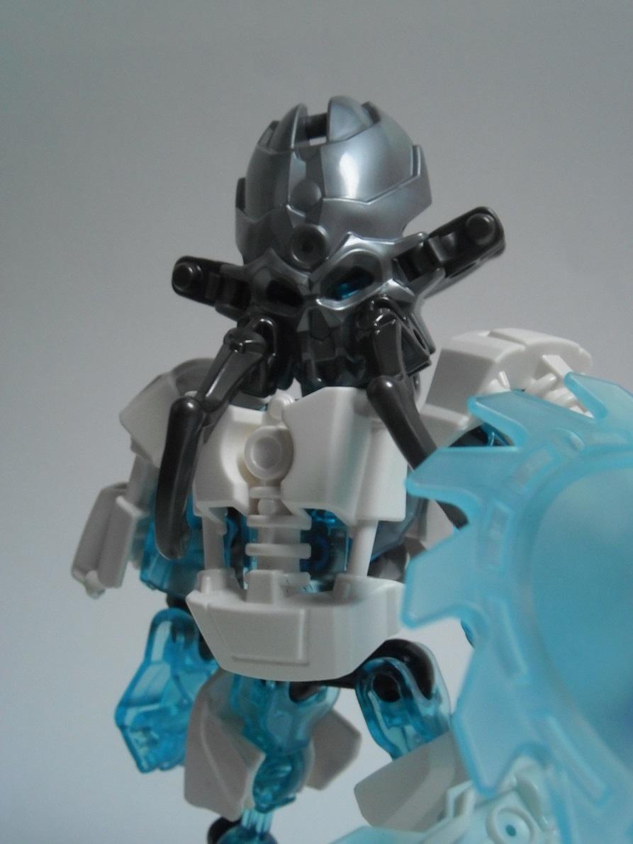 [Revue] LEGO Bionicle 70782 : Protecteur de la Glace Pb260133