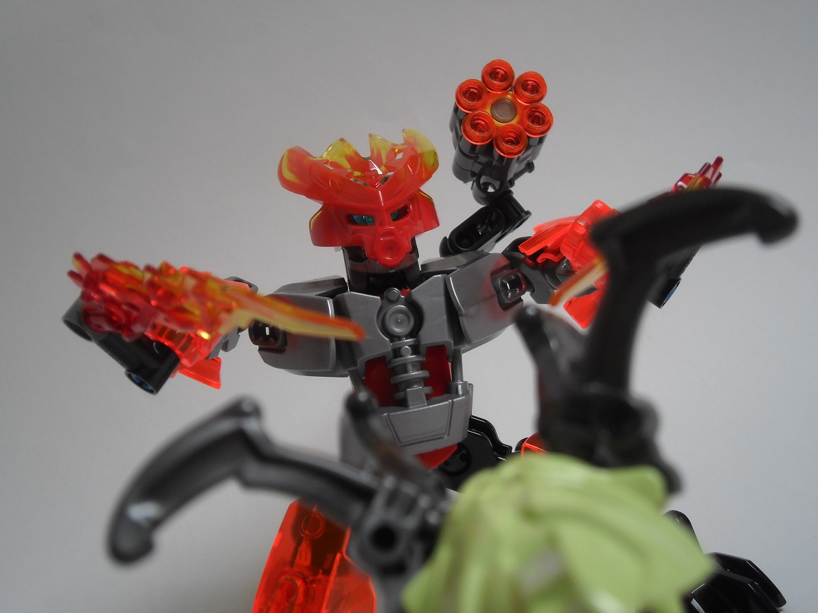 [Revue] LEGO Bionicle 70783 : Protecteur du Feu Pb270124