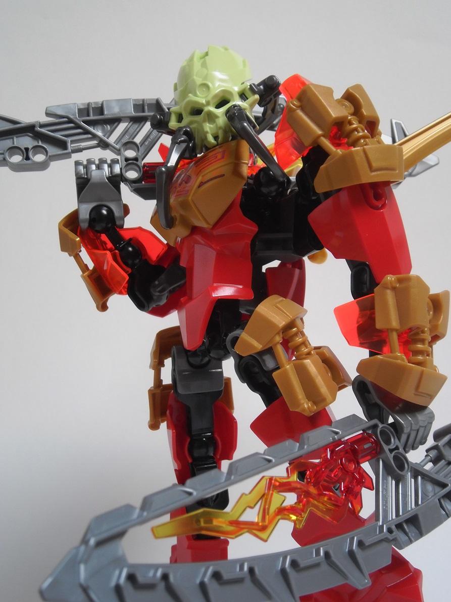 [Revue] LEGO Bionicle 70787 : Tahu, Maître du Feu Pb100113