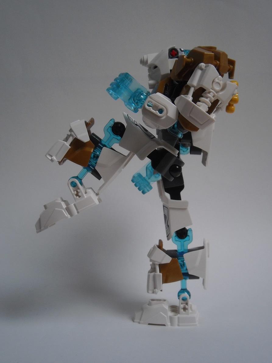 [Revue] LEGO Bionicle 70788 : Kopaka, Maitre de la Glace Pb110103