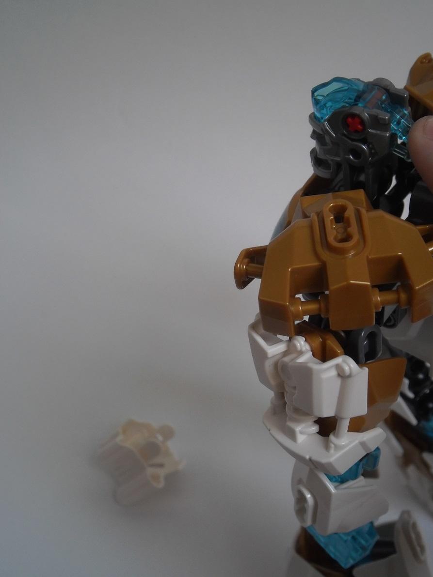[Revue] LEGO Bionicle 70788 : Kopaka, Maitre de la Glace Pb110110