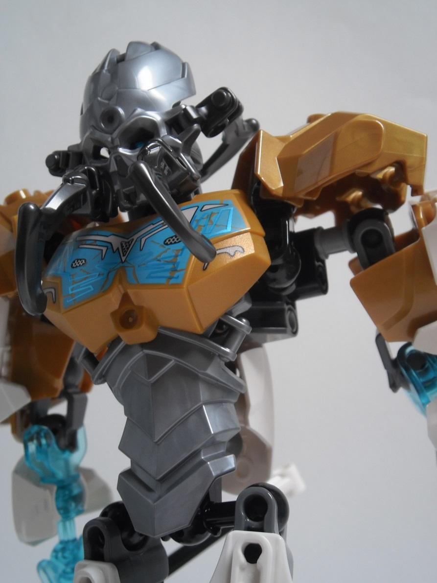 [Revue] LEGO Bionicle 70788 : Kopaka, Maitre de la Glace Pb110118